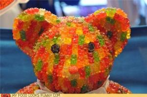 Funny-food-photos-meta-gummy-bear